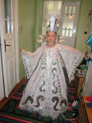 Новогодний костюм королевы своими руками фото